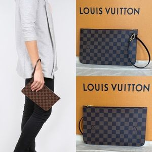 💫NWT Neverfull Wristlet by Louis Vuitton💫